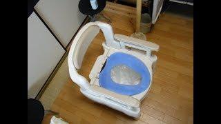 バケツにビニール袋を被せ、使用後は袋の中身だけトイレに流し、袋はリ...