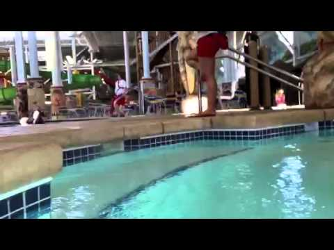 Kalahari Resort Hot Tub Swim Up Bar Youtube