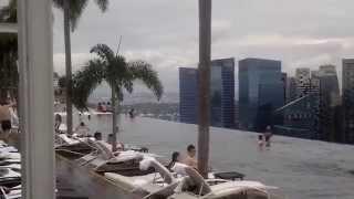 Сингапур, бассейн на крыше отеля Marina bay sands.VLOG(Утро в Сингапуре в бассейне Марины бэй. Теплая вода в бассейне, музыка, релакс. Подробные впечатления о наши..., 2014-07-09T04:31:33.000Z)
