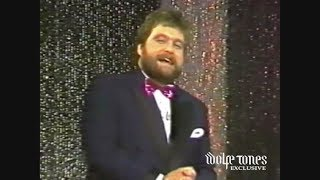 Brendan Grace Introduces The Wolfe Tones