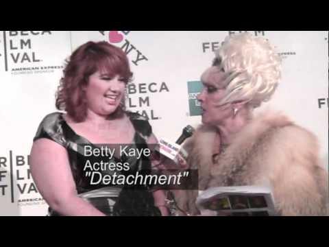 Women's Mafia Detachment Movie Premiere Adrien Brody.mpg