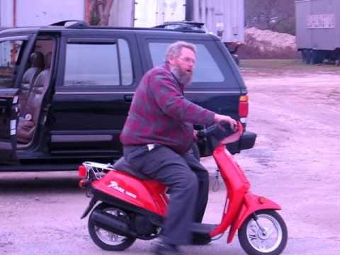 Big Jim Gets The Yamaha Razz Scooter Going Again
