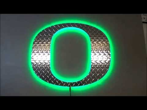 University of Oregon Diamond Plate O LED
