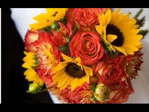 fall-inspired-coxcomb-and-sunflower-bouquet
