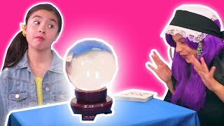 Fortune Teller Malice 🔮 Lilliana Needs Help Inventing Things - Princesses In Real Life | Kiddyzuzaa