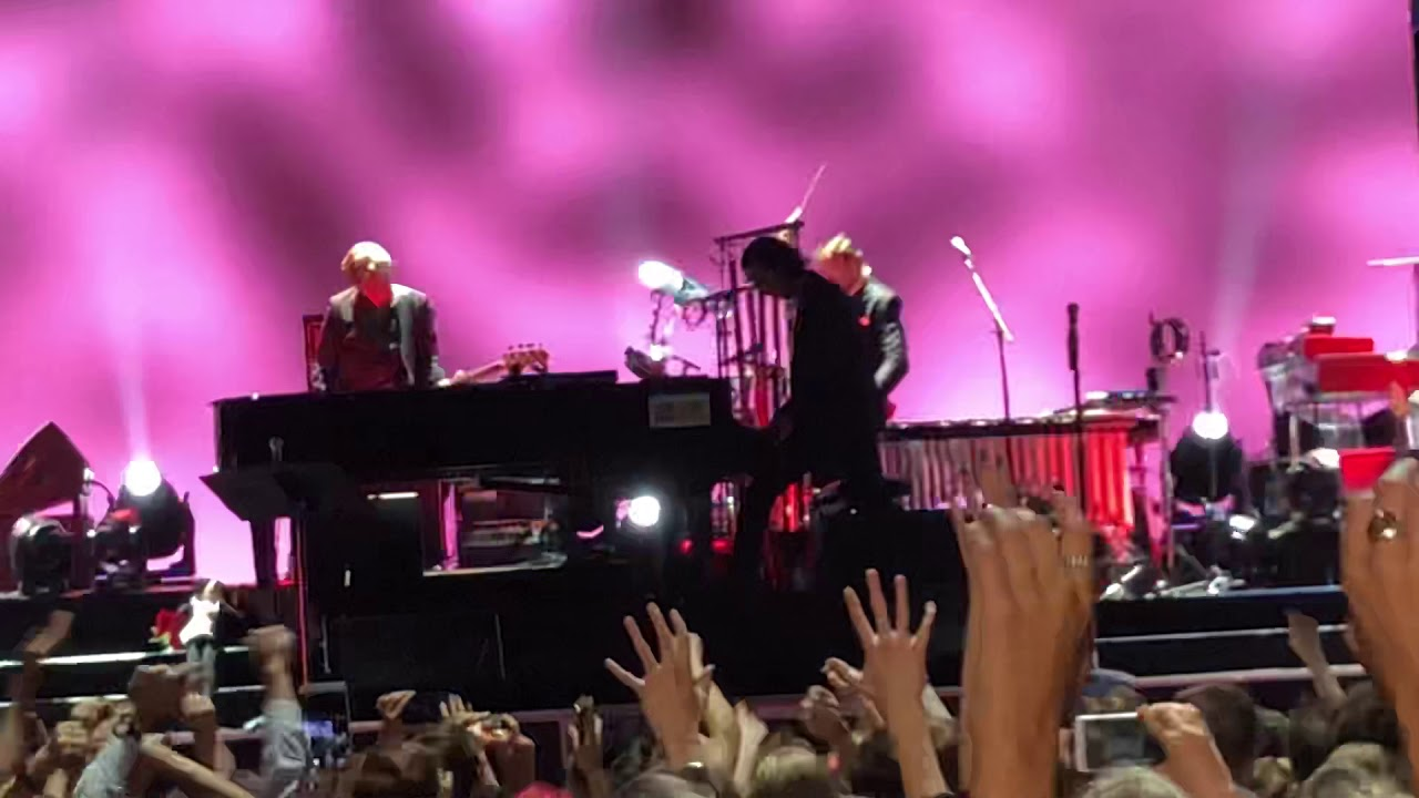 Nick Cave - Red Right Hand (live in Moscow at Adrenaline Stadium, 27/07/2018)