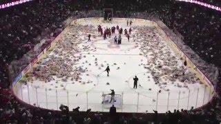 Calgary Hitmen 2012 Teddy Bear Toss - Watch 25,000 Bears Fly at Hockey Game thumbnail