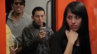 Repeat youtube video VIAJE EN ROPA INTERIOR EN EL METRO DE LA CIUDAD DE MÉXICO
