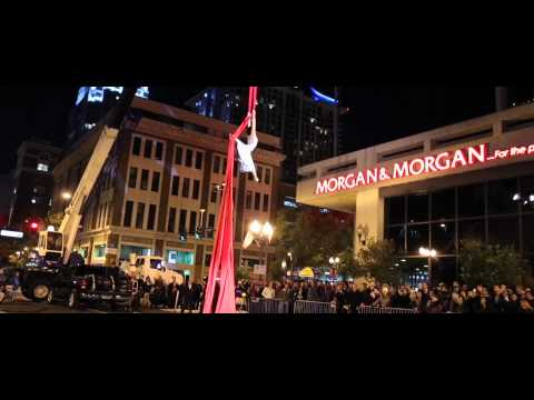 Silk Street Performance by Cirque du Soleil