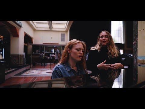 Secret Piano Sessions: Freya Ridings x Caroline Pennell (It Ain't Me Cover - Selena Gomez, Kygo)