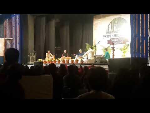 ustad amjad ali khan playing ekla chalo re and a pahadi song