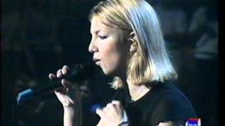 Britney Spears - From The Bottom Of My Broken Heart (Live Spain 1999)