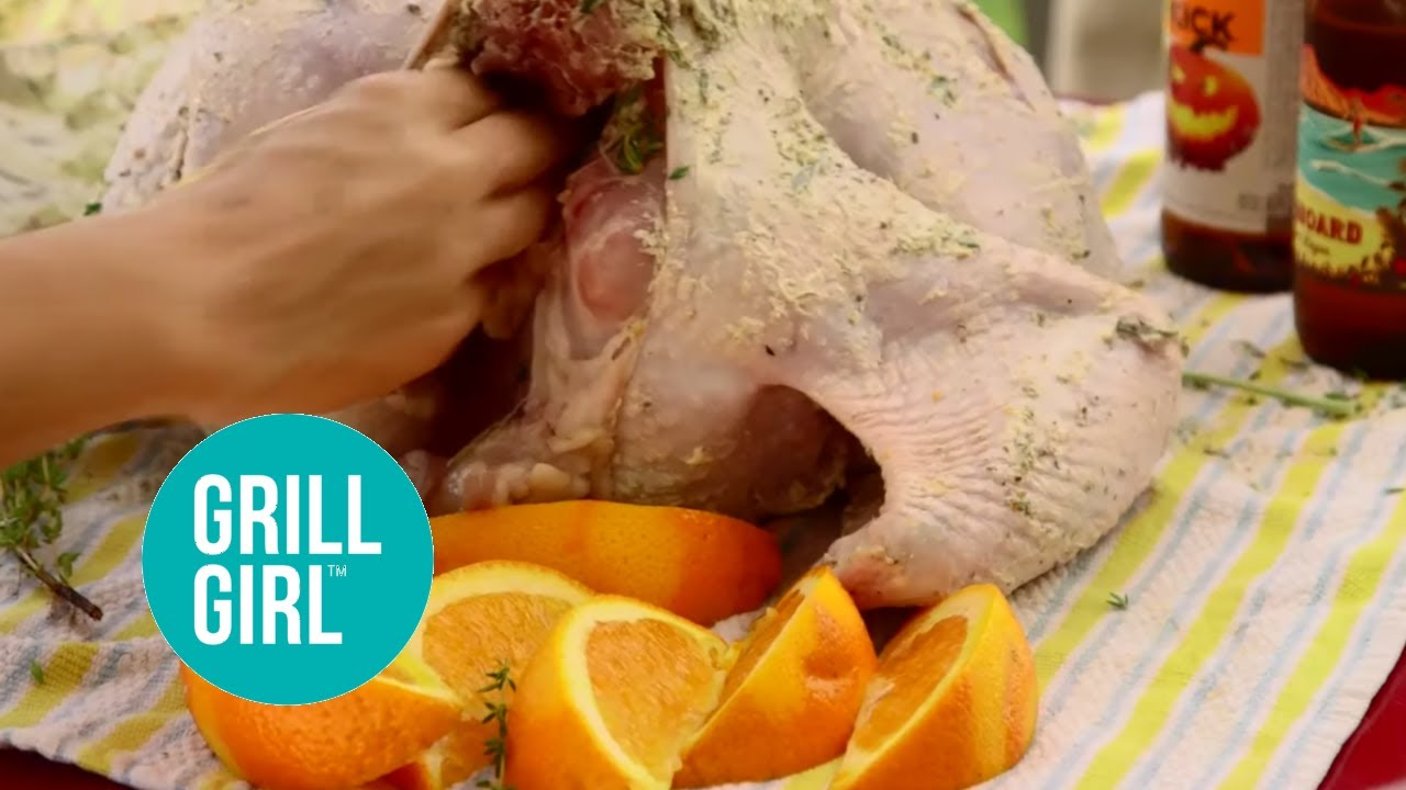 Beer Can Turkey on the Big Green Egg - YouTube