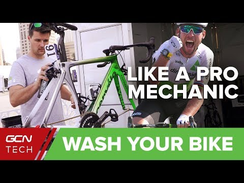 Wash Your Bike Like A Pro Mechanic | GCN Tech At The Dubai Tour