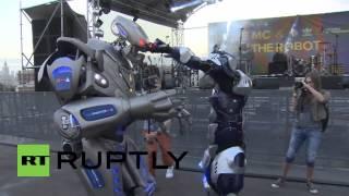 Russia: Watch a 3-metre tall robot BATTLE RAP Moscow Hip Hop star