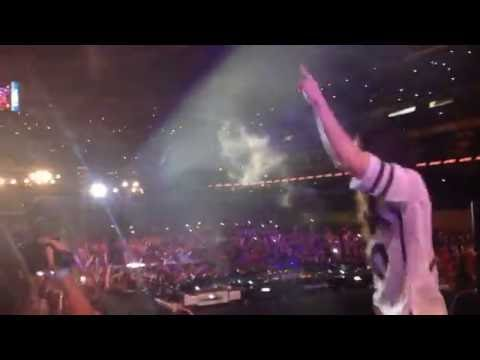 On stage with Steve Aoki at Azteca Stadium for Guatdefoc/Sundown Movie