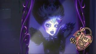 Злая королева сбежала! Игра драконов | Мультики для девочек Эвер Афтер Хай | Ever After High