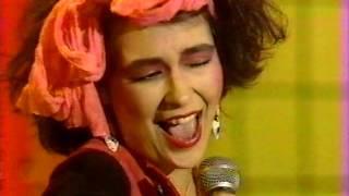 1983年、オールナイト・フジ(フジTV系列)でのスタジオライブ。 チャー...