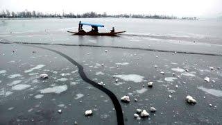 dal lake freezes srinagar records 1 5 degree celsius temperature