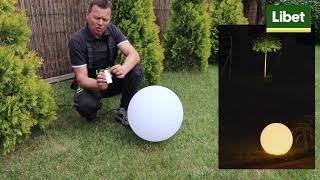 Świetlne kule w ogrodzie