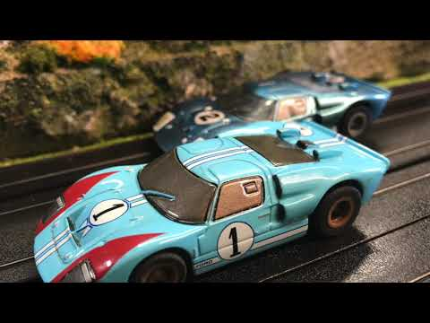 HO Slot Racing Track AFX – Mountain Scenery – Ford GT 40 – Slot Car – 1/64 Model Race Track