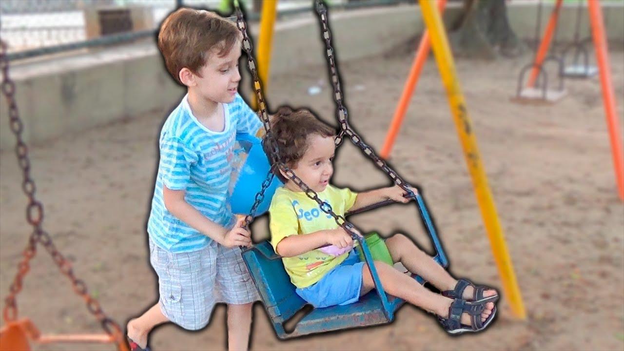 Download Crianças Brincando no Parquinho com Brinquedos - Kids Playing in Fun Outdor Playground Park for Kids