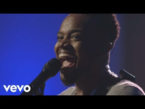 travis-greene---while-i'm-waiting-ft.-chandler-moore-(live-music-video)