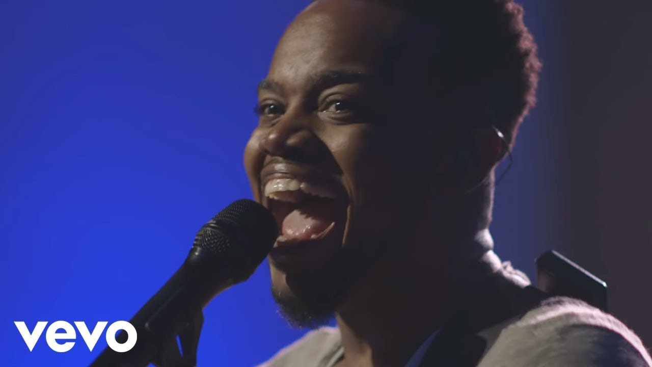 Travis Greene  - While I'm Waiting featuring Chandler Moore