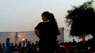 Boy vs girs dance competition iit college Kanpur.