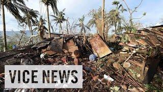 International Aid Reaches Cyclone-Ravaged Vanuatu: VICE News Capsule, March 18