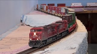 HO First Revenue Train On The Layout - CP 112-15 Intermodal