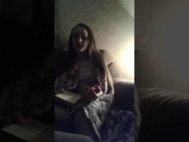 Изображение предпросмотра прочтения – СофьяПрозорова читает произведение «Книги в красном переплете» М.И.Цветаевой