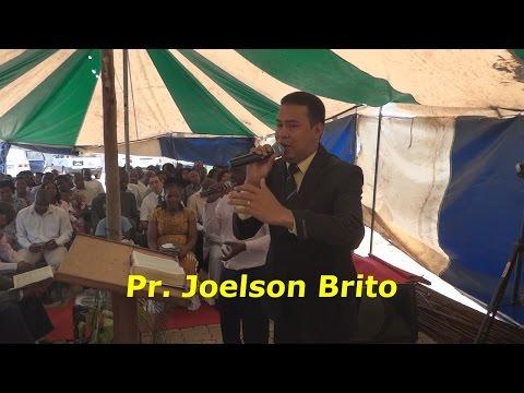 PREGAÇÃO NA AFRICA - Pr. Joelson Brito