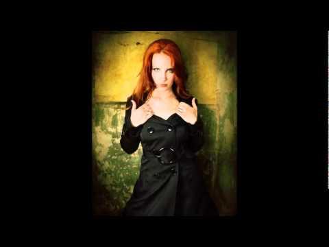 Epica (Simone Simons) vs Amy Lee (Evanescence)
