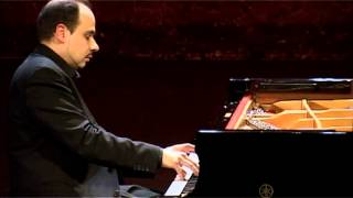 Download Video Claudio Martinez-Mehner plays G. Ligeti - Quatre Etudes MP3 3GP MP4