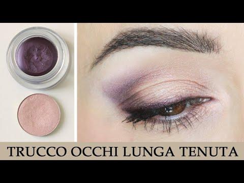 Idea trucco occhi principianti soft: rosa e viola. Trucco per capelli grigi