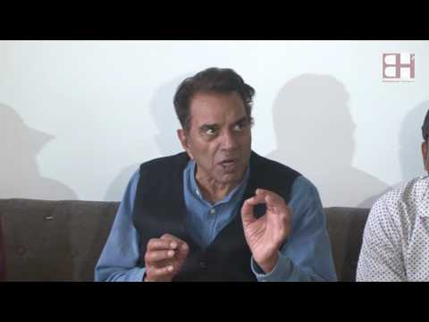 Evergreen Dharmendra talks about Hema Malini