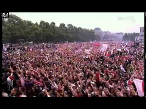 Ajax wordt gehuldigd!