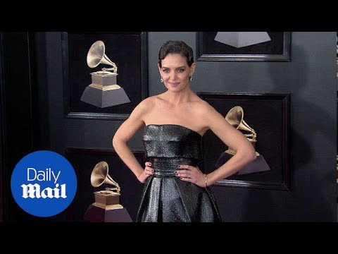 Katie Homes Shines In Sleeveless Black Gown At 2018 Grammys - Daily Mail
