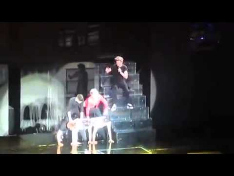 One Direction form Human Pyramid Dublin During Live Concert   Videos   MetaTube