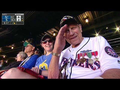 KC@SEA: U.S. WWII Veteran enjoys M's game on July 4th