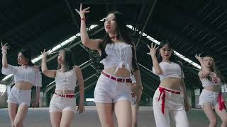 what-if-foreigners-dance-on-ghungroo-song---war-hrithik-roshan-compilation