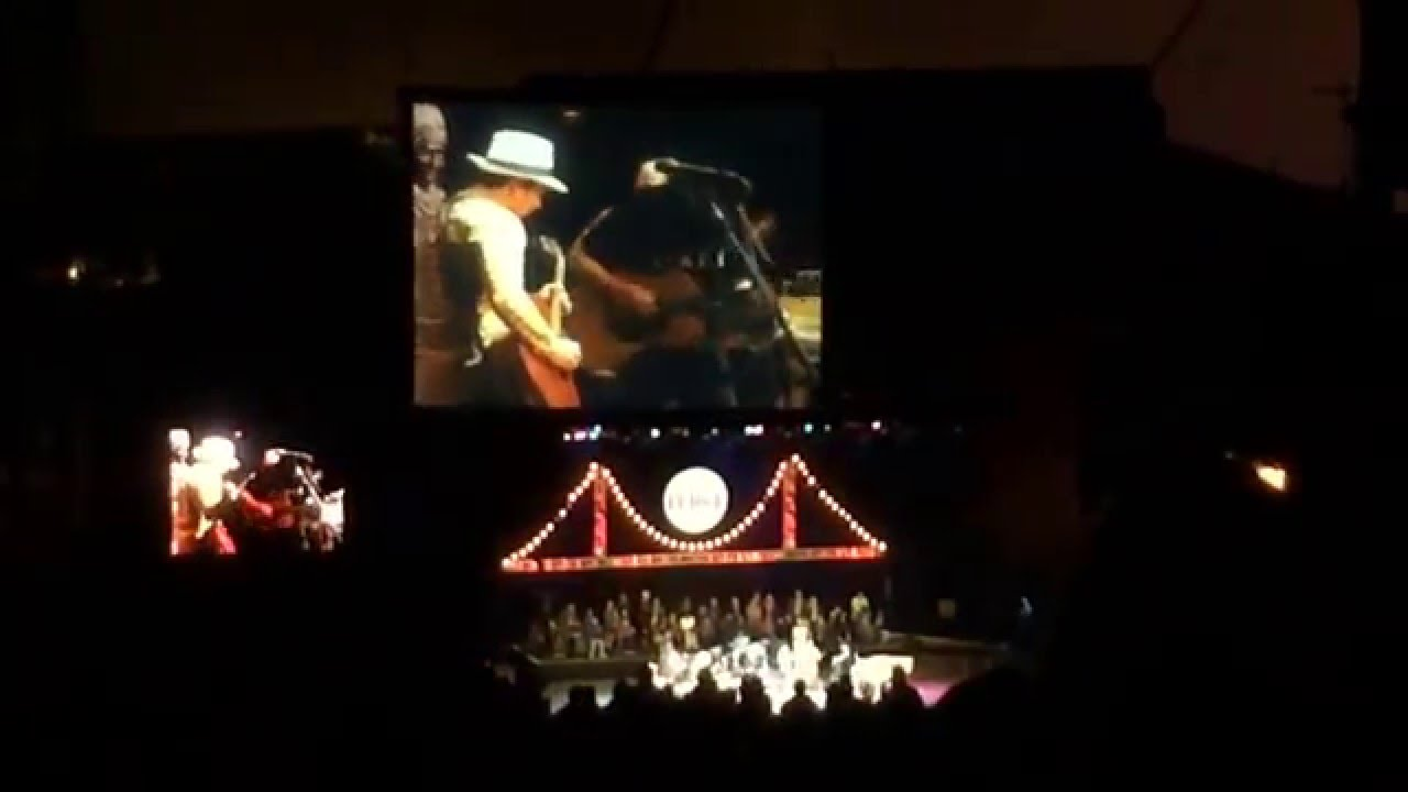 Neil Young + Florence Welch - Southern Man [2014/10/26 Bridge School Benefit]
