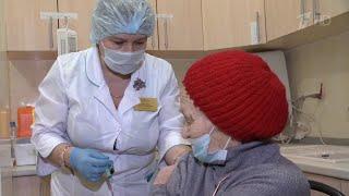Массовая вакцинация от коронавируса в российских регионах дает хорошие результаты