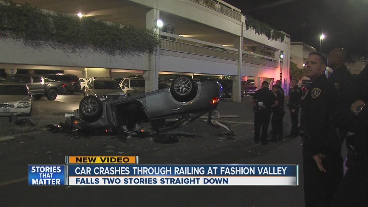 Car nosedives off Fashion Valley Mall parking garage - YouTube