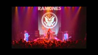 THE RAMONES - I DON´T WANNA WALK AROUND WITH YOU - PINHEAD (HD)