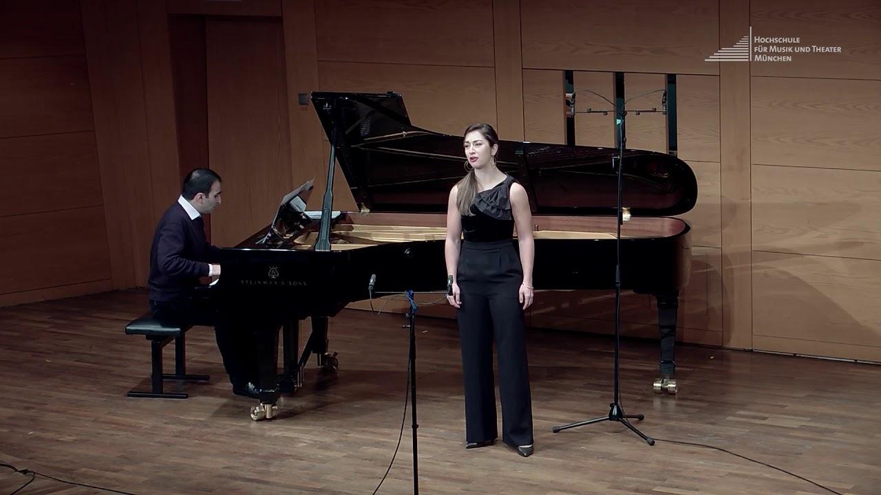 """M. Ravel, L'heure Espagnole: """"Oh, la pitoyable aventure!"""" (Concepción) - Céline Akçağ"""