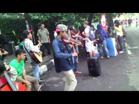 Music show anak jalanan CFD Dago Bandung
