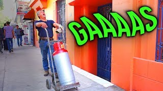 FUNNY Things That Only Happen in Mexico