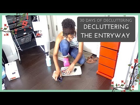 Organizing The Smallest Apartment Entryway | 30 Days of Decluttering